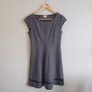 Laura Petites Fit and Flare Short Sleeve NWT Dress